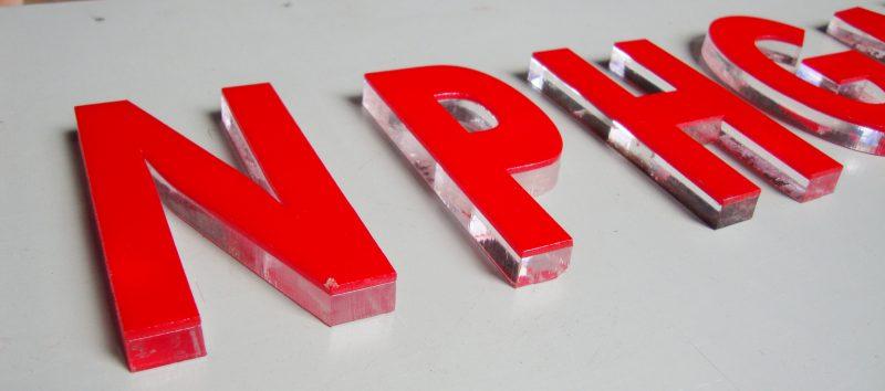 Thi công chữ nổi mica – Chữ nổi led giá rẻ Tp HCM
