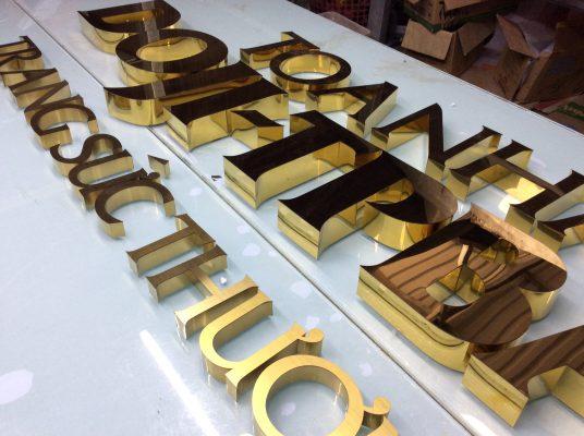 Thi công bộ chữ inox vàng