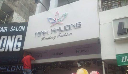 Thi công bảng hiệu quảng cáo ngoài trời cho shop thời trang